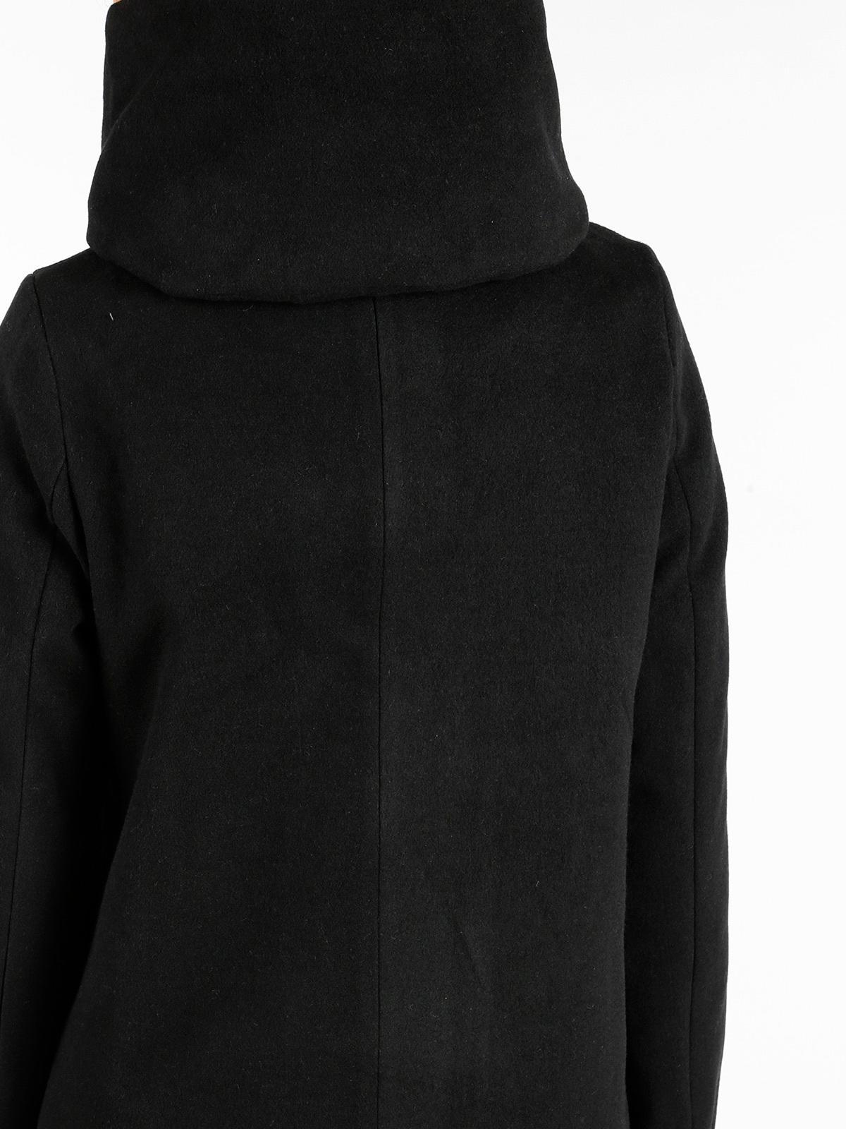 hot sale online 69efe ac6e3 solada Cappotto nero con cappuccio | MecShopping
