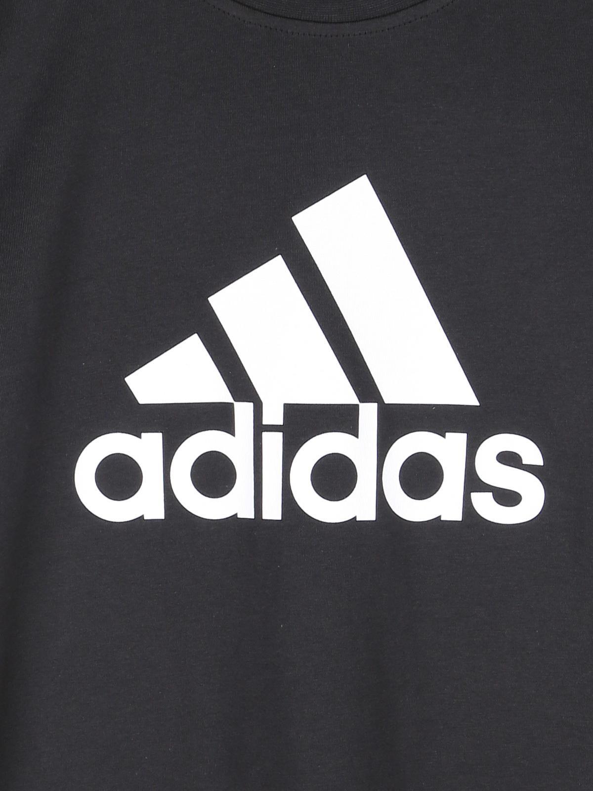 grande vendita Super carino cerca genuino Essential Logo - t-shirt nera in cotone jersey adidas | MecShopping