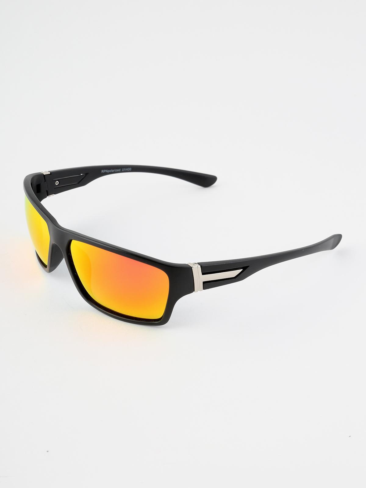 design senza tempo 34189 bcbf0 Occhiali da sole con lenti polarizzate rpn | MecShopping