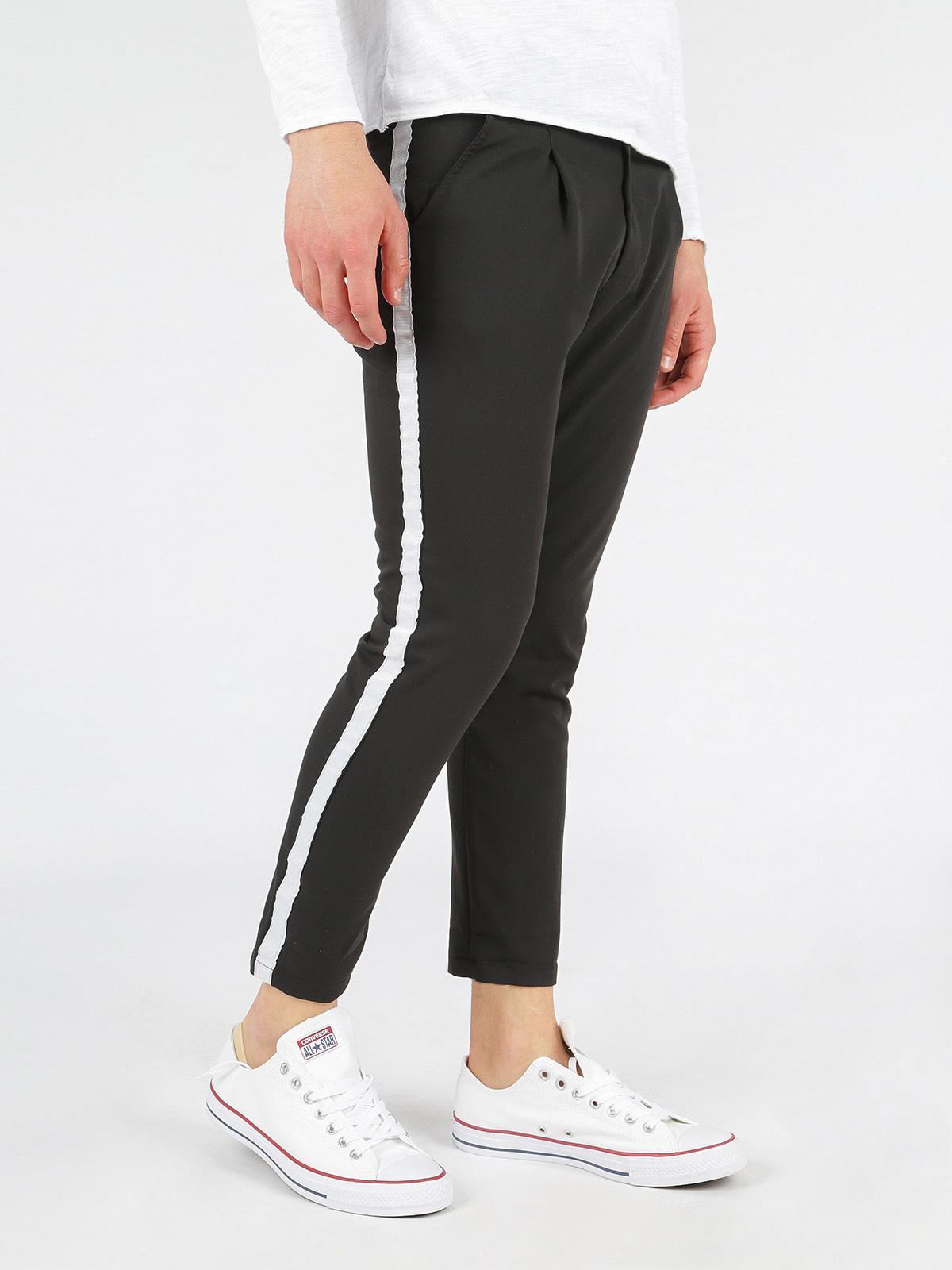 pantaloni nike con banda laterale