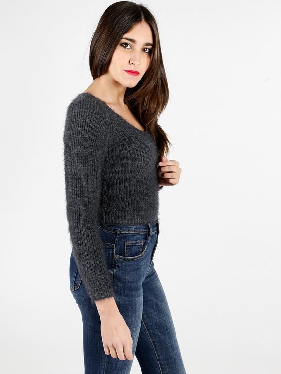 negozio online 654e4 a81c9 Pullover corto in filato peloso solada | MecShopping