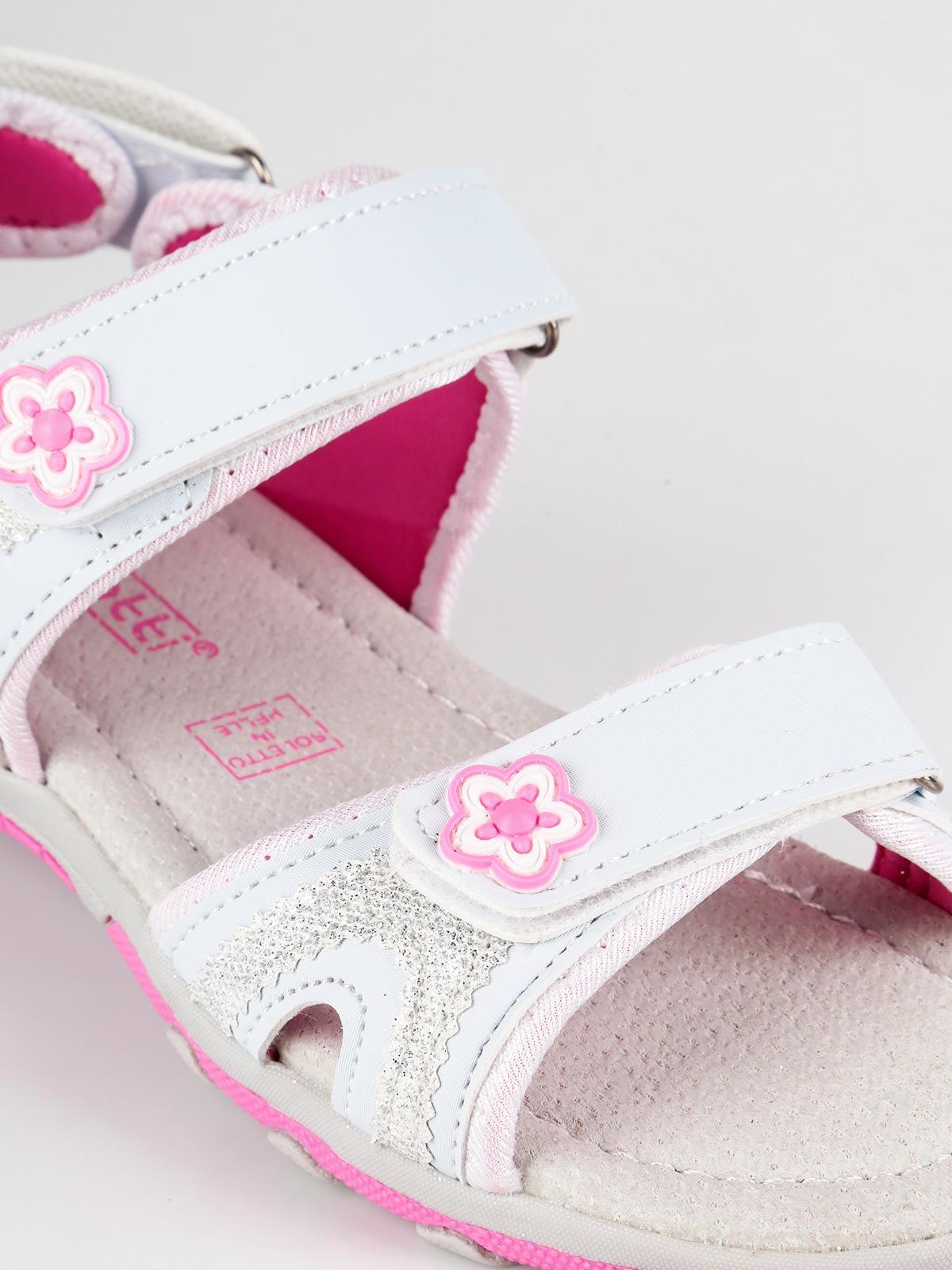 Sandali a punta aperta con strappi e glitter scatti