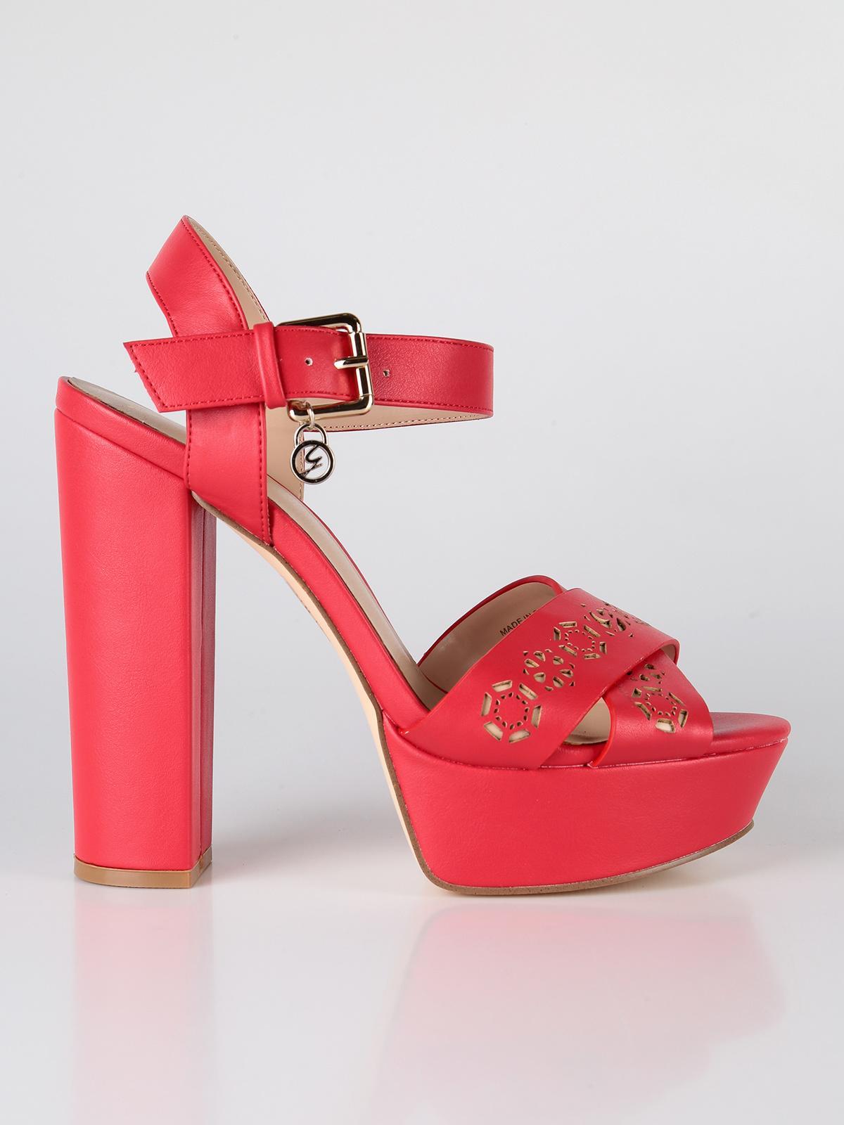 Sandali rossi con tacco e cinturino alla caviglia