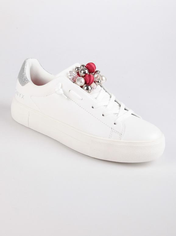 Sneakers bianche basse con strass e borchie onyx | MecShopping