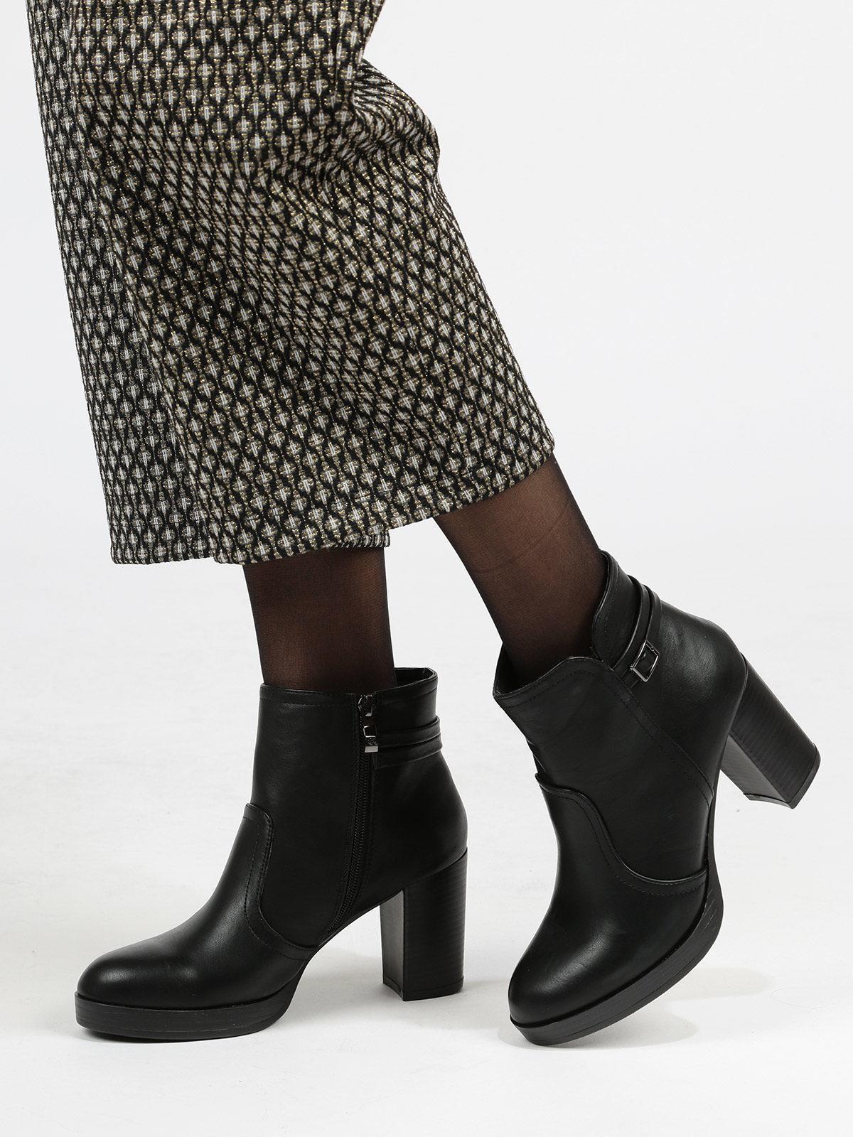 sports shoes 45064 87544 Tronchetti con tacco largo queen helena | MecShopping