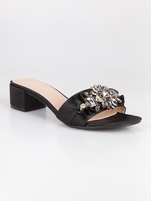 Boutique en ligne 945c5 228df Zapatillas negras con tacón y diamantes de imitación ...